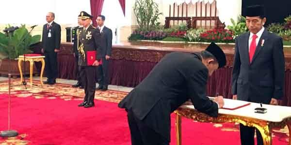 Presiden Jokowi Lantik Kepala BNN
