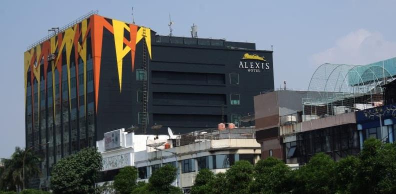 Gubernur Anies: Tak Perlu Didesak Tutup Alexis