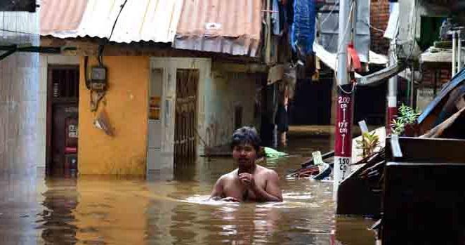 Tiga RW Kampung Melayu Terendam Banjir Kiriman