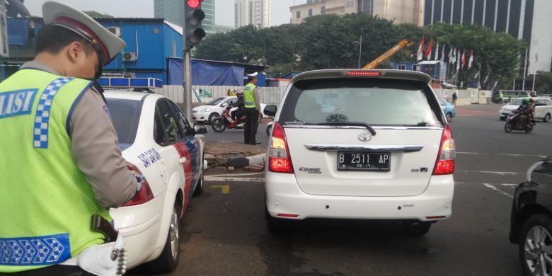 Tercatat 14 Ribu Mobil Langgar Ganjil Genap Sudirman-Thamrin