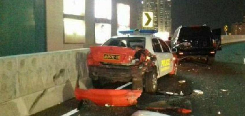 Mobil Gelandang Persija Seruduk Mobil Polisi