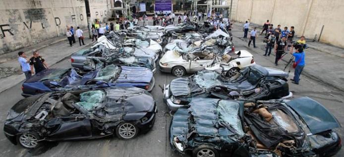 Tak Bayar Pajak, 30 Mobil Mewah Dibuldoser